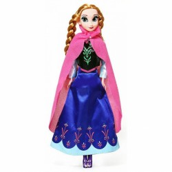 Bábika v modrých šatách so závojom