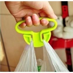Držiak s rukoväťou na ľahké nosenie tašiek