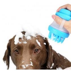 Masážna kefa s nádobou na šampón pre psíkov
