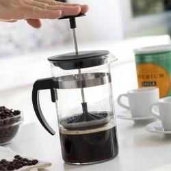 French press na prípravu kávy