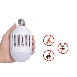 Elektrická žiarovka s lapačom hmyzu