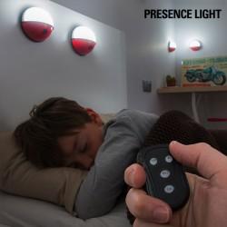 Prenosné LED svetlo na diaľkové ovládanie - Pokéball - 4 ks - InnovaGoods