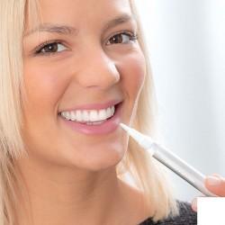 Ceruzka na bielenie zubov - 2 ks - InnovaGoods
