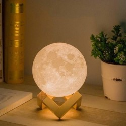 LED lampička v dizajne Mesiaca